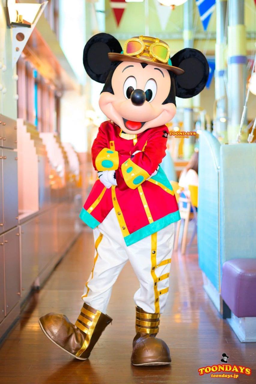 ホライズンベイレストランのニュールックのミッキーマウス