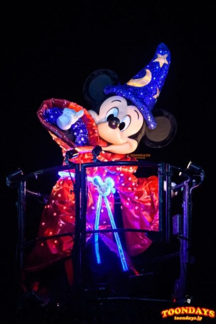 ファンタズミック!に登場する魔法使いのミッキーマウス