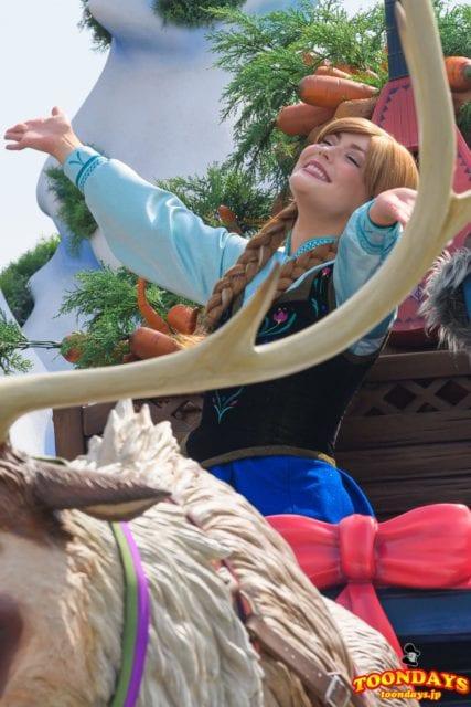 フローズンファンタジーパレードのアナ