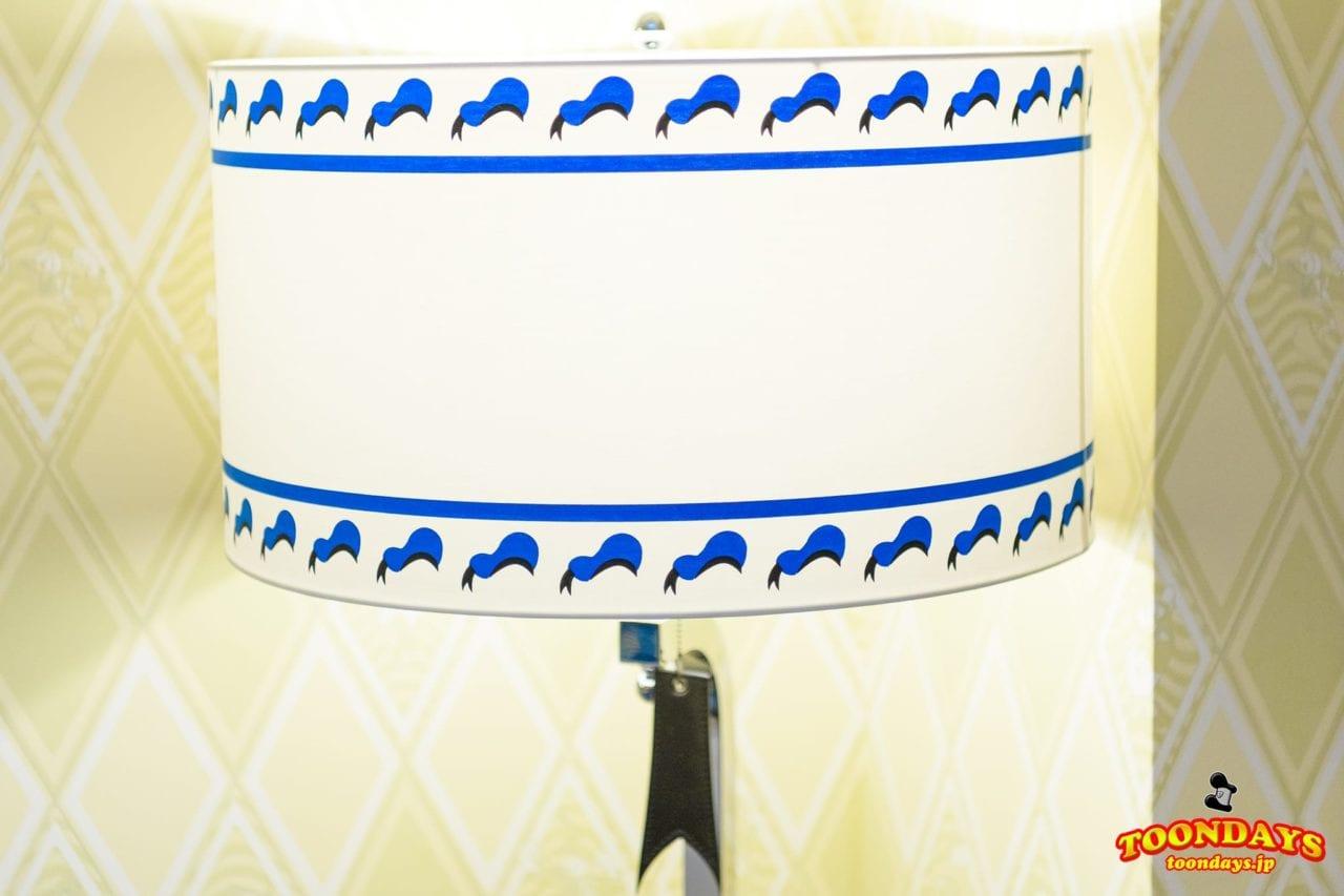 ドナルドの帽子が描かれたランプ