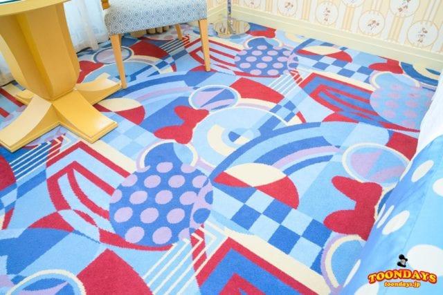 ミニーマウスルームの床のデザイン