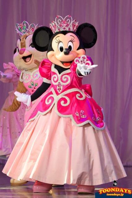 イッツ・ベリー・ミニー!『ミニーの夢見るティアラ』衣装のミニーマウス