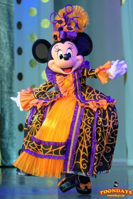 『ミステリアス・マスカレード』衣装のミニーマウス