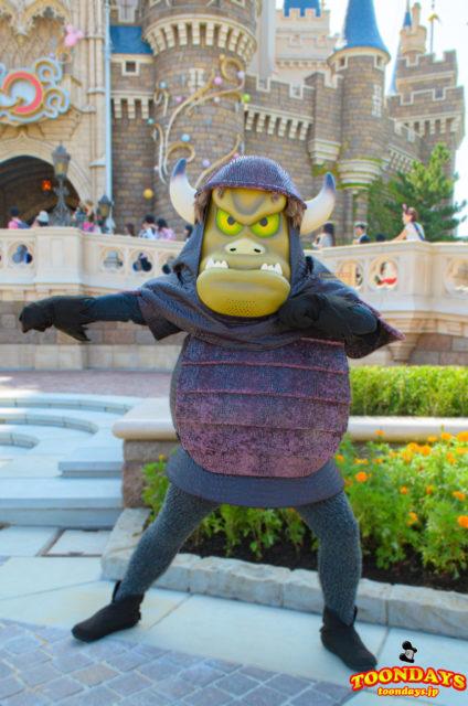 『ディズニー・ハロウィーン2013』整列グリーティングに登場したグーン