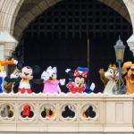 【総まとめ】『ミッキー&フレンズ』がシンデレラ城前グリーティング!ソーシャルディスタンスを守った『特別なご挨拶』紹介